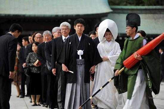 ŚLUBY W JAPONII I INDIACH