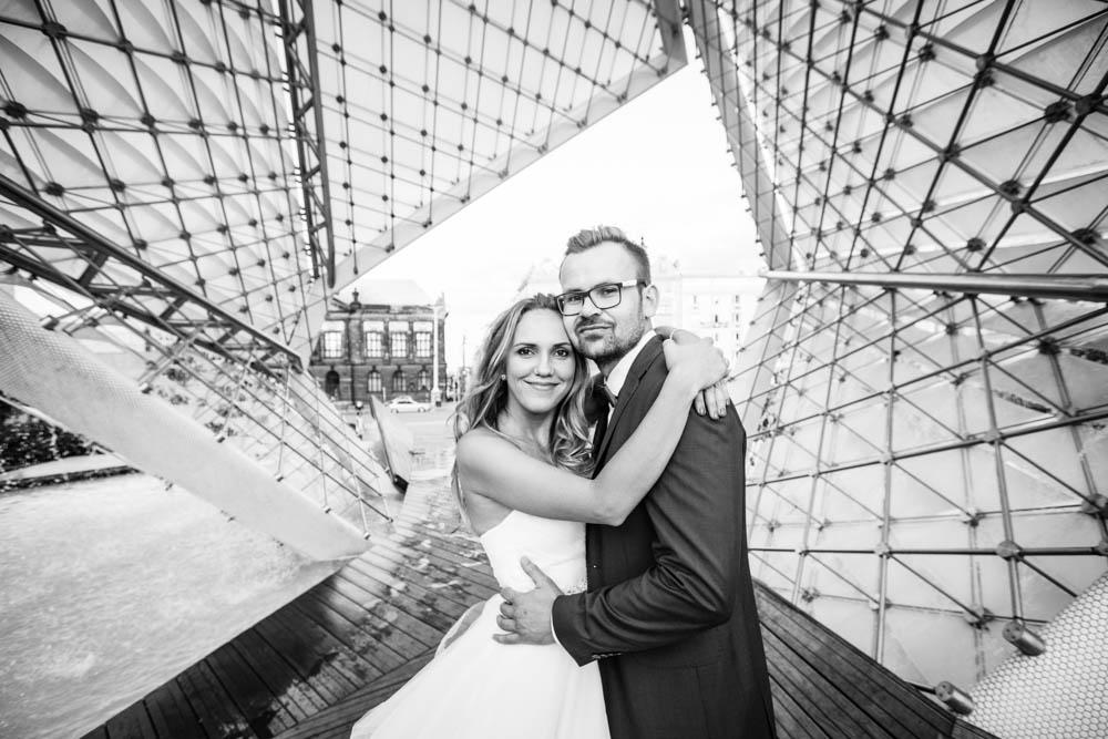 sesja ślubna na placu wolności w Poznaniu